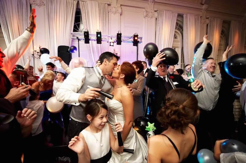 Mit játsszon a dj az esküvőn?