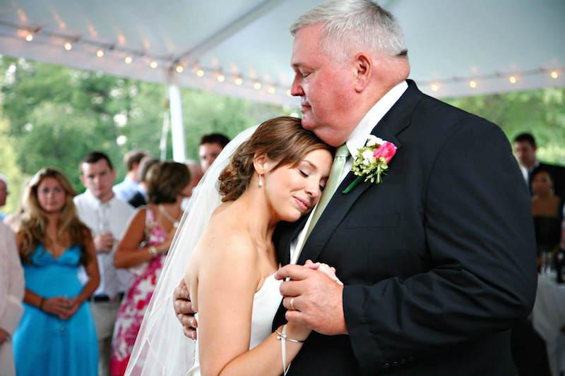 Egy megható, igaz esküvői történet – amikor a leány kérte fel az Édesapját